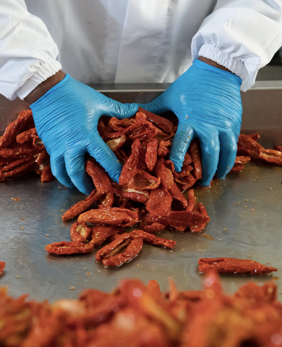 pomodori-secchi-di-puglia-antica-enotria-vini-e-conserve-biologiche-di-puglia